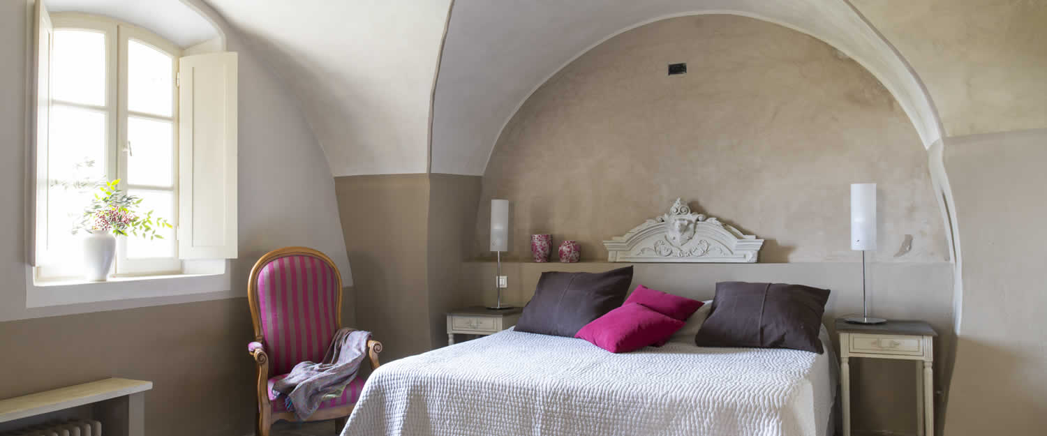 bed and breakfast la canove in goult avignon et provence. Black Bedroom Furniture Sets. Home Design Ideas