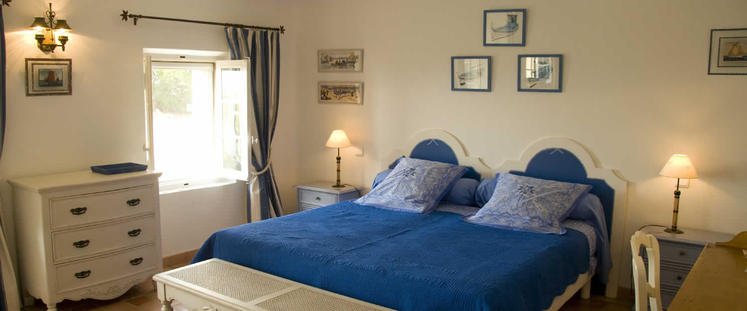 bed and breakfast mas saint martin in toulon avignon et provence. Black Bedroom Furniture Sets. Home Design Ideas