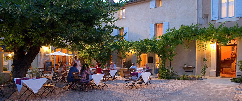 Avignon et provence hebergement tourisme et vacances en provence et cote d 39 azur - Le petit comptoir avignon ...