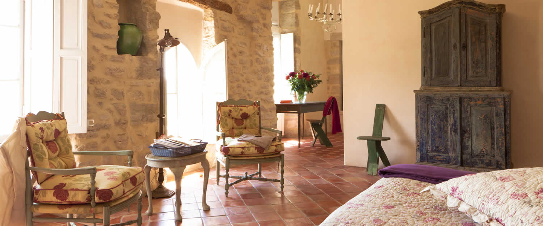 bed and breakfast ch teau la roque in la roque sur pernes avignon et provence. Black Bedroom Furniture Sets. Home Design Ideas