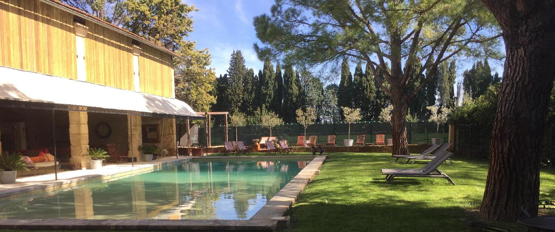 hotel de charme mas des comtes de provence tarascon. Black Bedroom Furniture Sets. Home Design Ideas