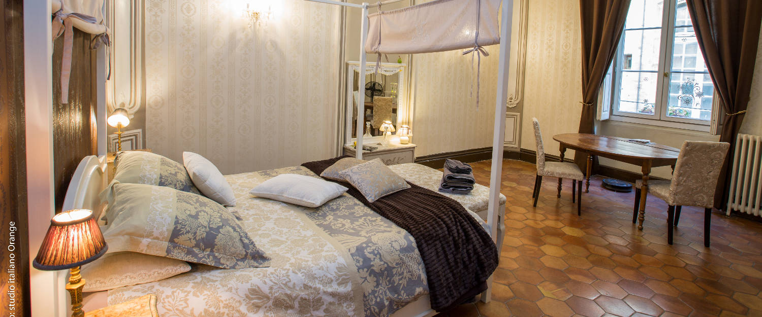 bed and breakfast la petite saunerie in avignon avignon et provence. Black Bedroom Furniture Sets. Home Design Ideas