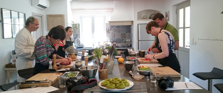 cours de cuisine cuisine de chef maubec avignon et provence. Black Bedroom Furniture Sets. Home Design Ideas