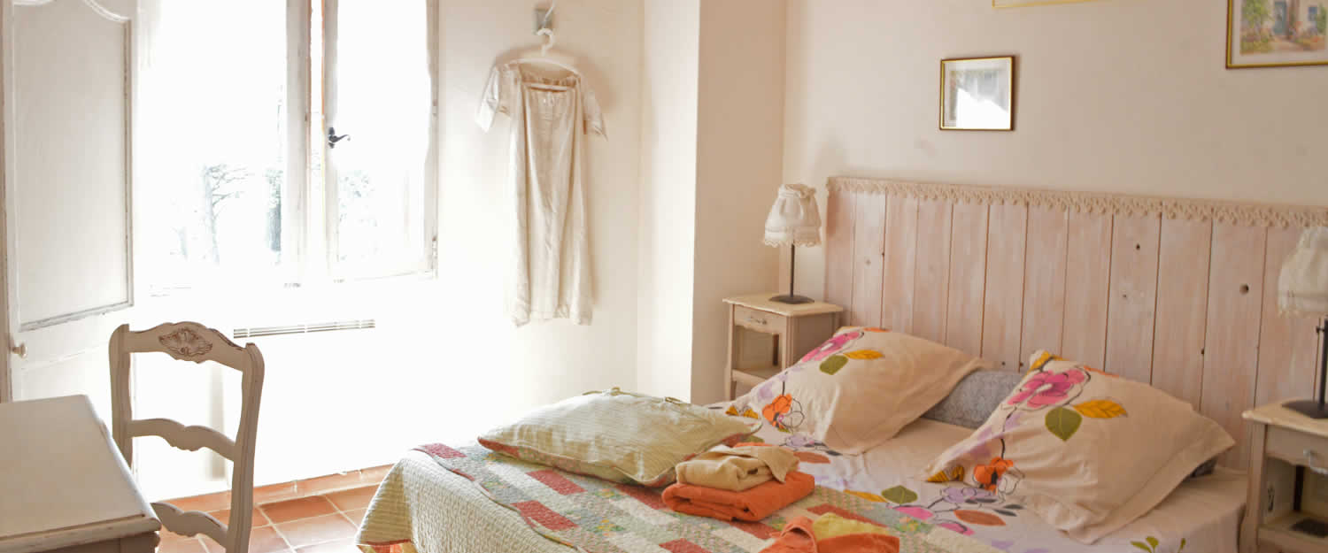 bed and breakfast bastide de la roquemali re in m rindol avignon et provence. Black Bedroom Furniture Sets. Home Design Ideas