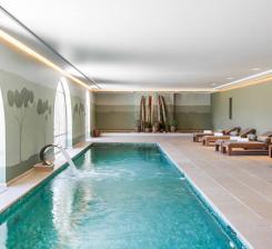 piscine int rieure chauff e en provence avignon et provence
