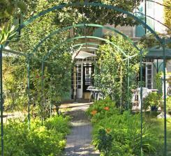 Coups de coeur en provence avignon et provence for Au saint roch hotel jardin