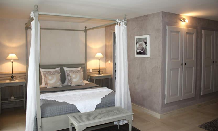 Location de vacances bastide de soubeyras m nerbes for Chambre d hote avignon