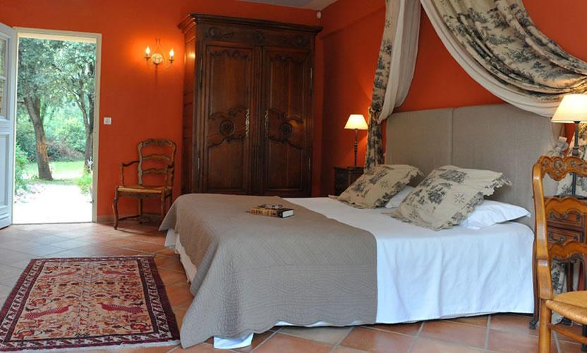 Hotel Bastide Du Bois Br Ant Maubec H Tel Et Cabane