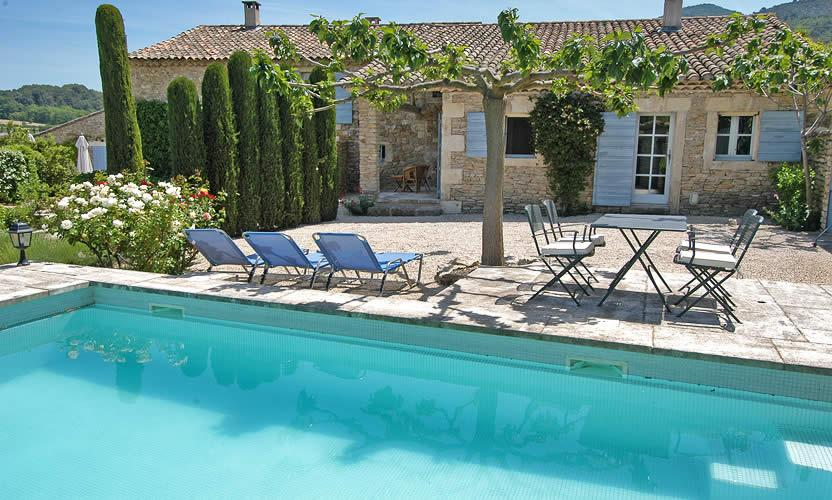 Vacation rental le petit miracle in opp de le vieux for Piscine menin tarif