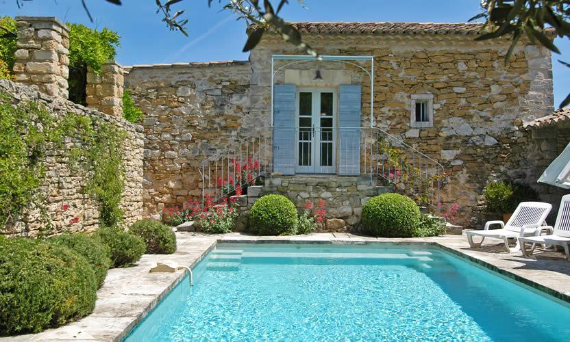 Location de vacances le petit miracle opp de le vieux - Piscine salon de provence ...