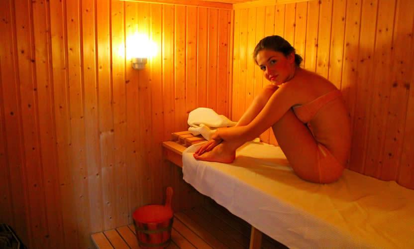 Красивые голые девушки в бане