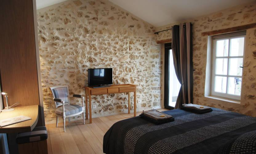 Vacation rental la maison magnarelles in maubec avignon for Chambre avignon