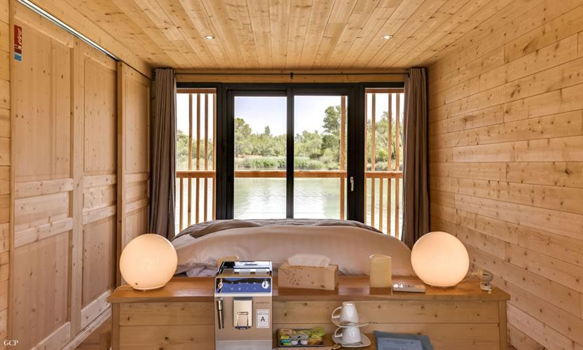 location de vacances les cabanes des grands c pages pr s d. Black Bedroom Furniture Sets. Home Design Ideas