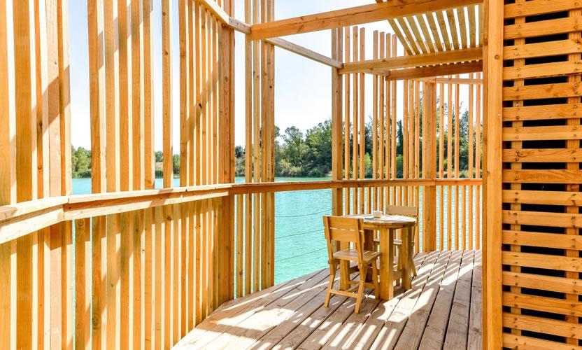 vacation rental les cabanes des grands c pages near avignon avignon et provence. Black Bedroom Furniture Sets. Home Design Ideas