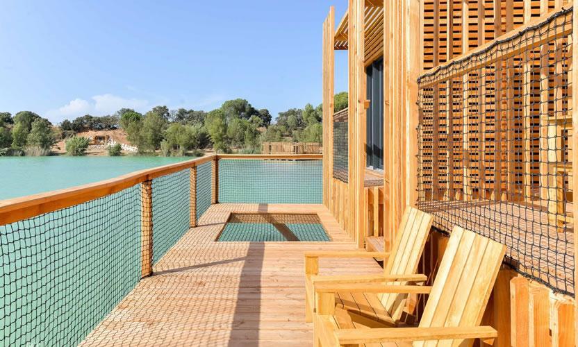 location de vacances les cabanes des grands c pages pr s d 39 avignon avignon et provence. Black Bedroom Furniture Sets. Home Design Ideas