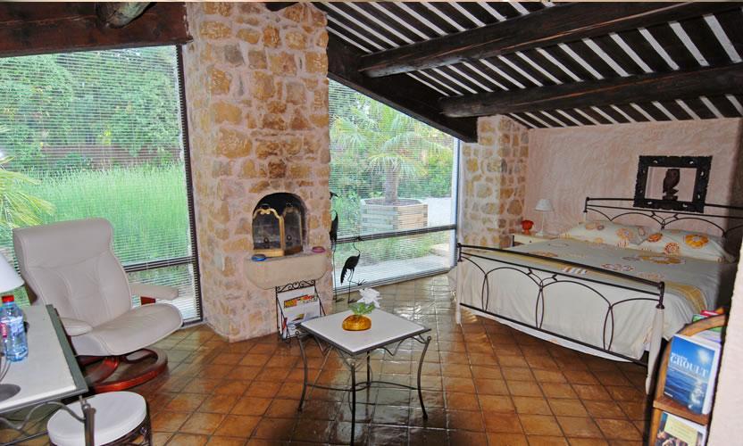 Chambre d 39 h tes la ferme saint marc jaumegarde avignon et provence - Chambre d hote a avignon ...