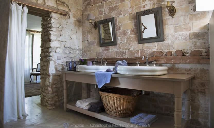 salle de bain provenale stunning excellent gallery of carrelage mural cuisine provencale. Black Bedroom Furniture Sets. Home Design Ideas