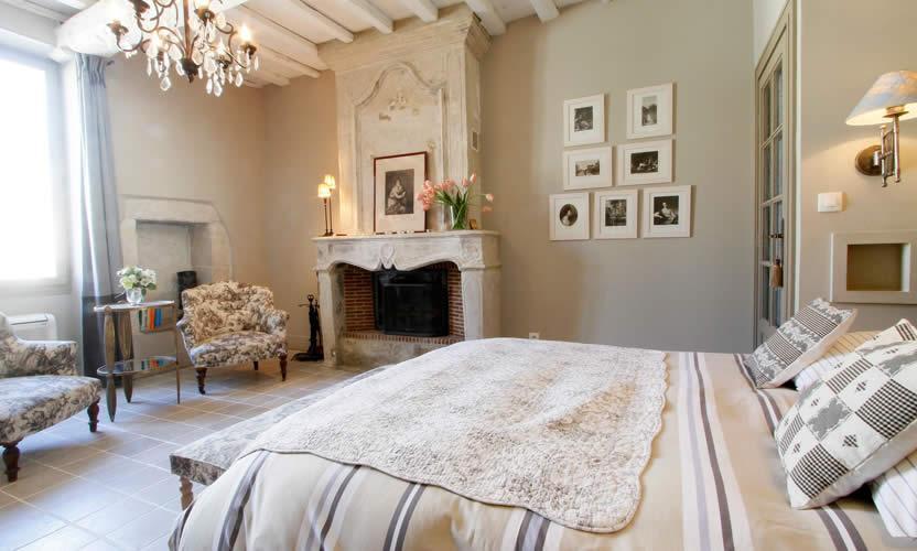 chambre d 39 h tes maison de la bourgade uz s avignon et provence. Black Bedroom Furniture Sets. Home Design Ideas