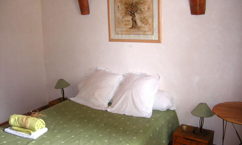 bed and breakfast le mas de rey in rognonas near avignon avignon et provence. Black Bedroom Furniture Sets. Home Design Ideas