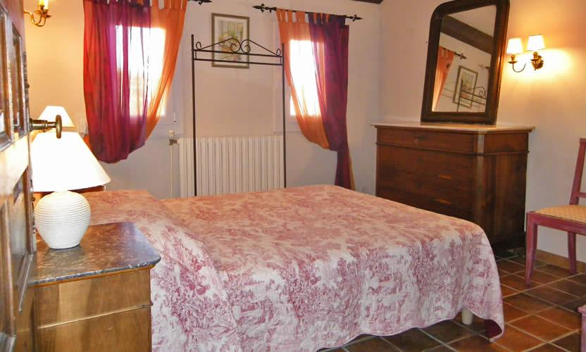 bed and breakfast la m di vale in velleron avignon et provence. Black Bedroom Furniture Sets. Home Design Ideas