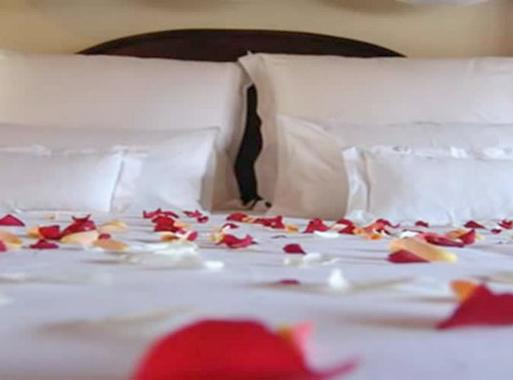 nous vous invitons surprendre llu de votre coeur en lui offrant un souvenir magique et inoubliable dans notre chteau une demande en mariage - Chateau De Rochegude Mariage