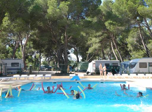 Camping Camping Yelloh Village Avignon Parc Ved Ne