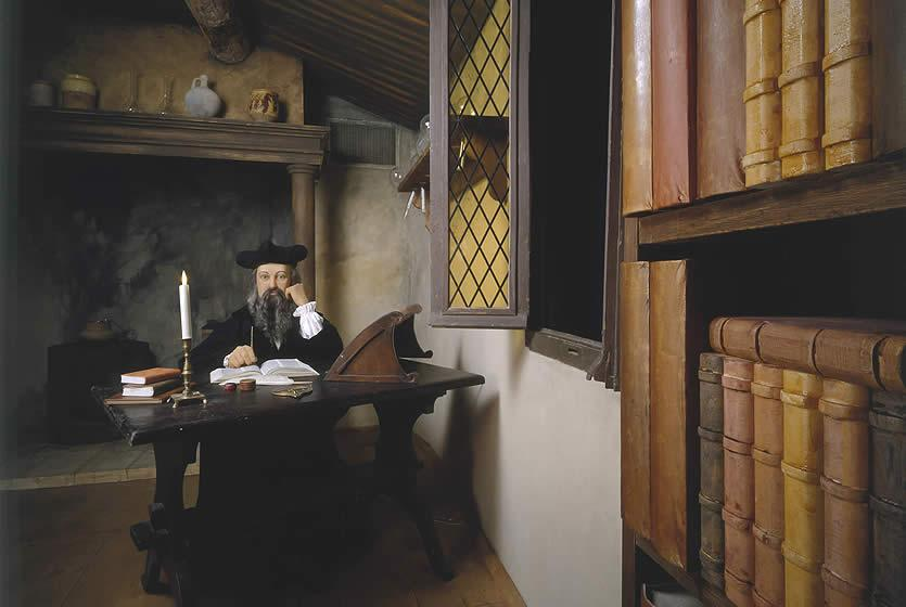 Beautiful nostradamus in his office nostradamus museum for Salon avignon