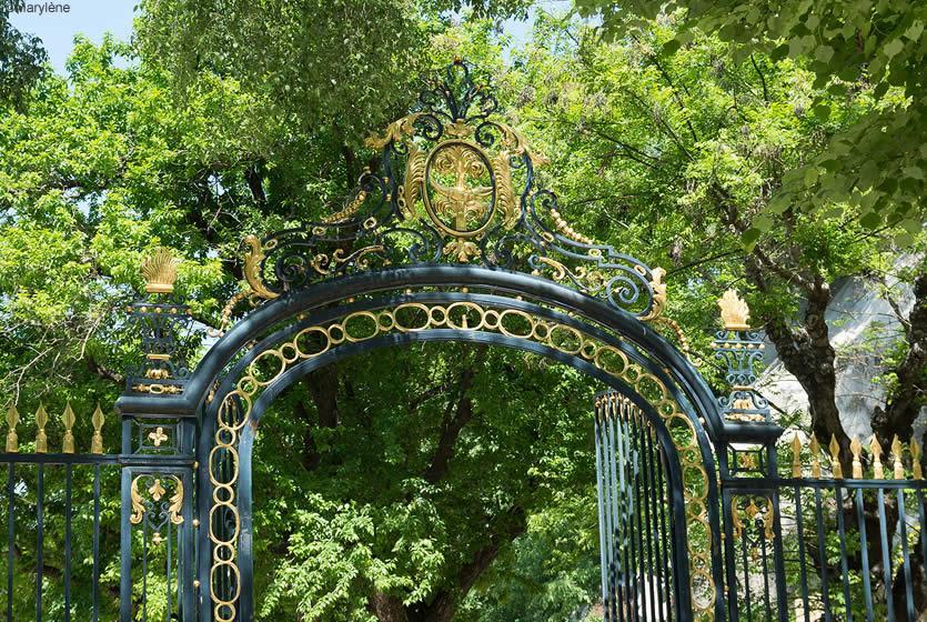 Jardins de la fontaine n mes avignon et provence - Petit jardin proven nimes ...