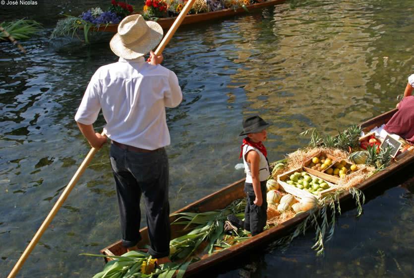 March flottant de l 39 isle sur la sorgue avignon et provence - Office du tourisme isle sur la sorgue ...