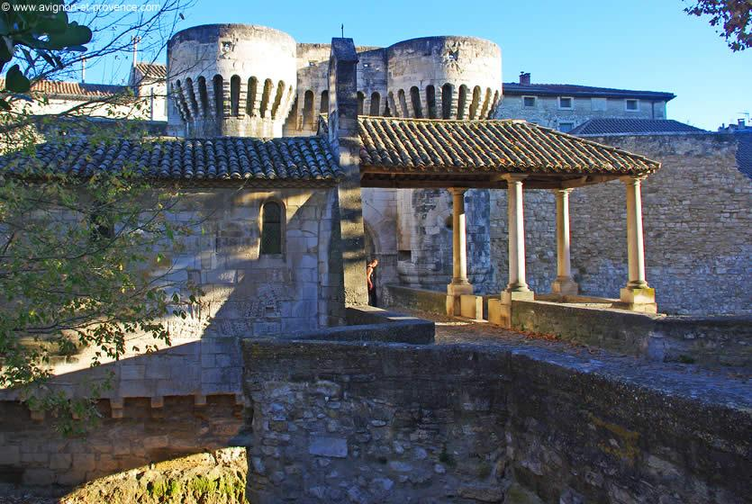 Tourisme  Pernes Les Fontaines  Visitez Pernes Les Fontaines