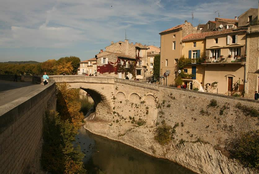 Visit vaison la romaine tourism between the rhone valley and mont ventoux avignon et provence - Office de tourisme vaison la romaine ...