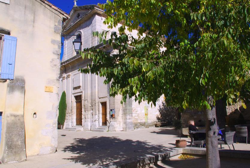 Tourisme richerenches visitez richerenches pays de la - Piscine foret noire allemagne saint denis ...