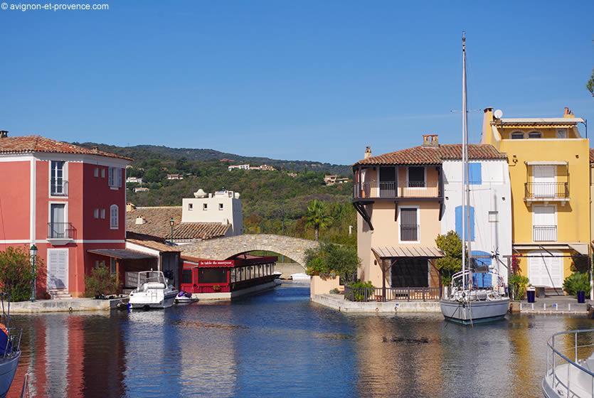 Tourism in port grimaud visit port grimaud avignon et for Restaurant port grimaud