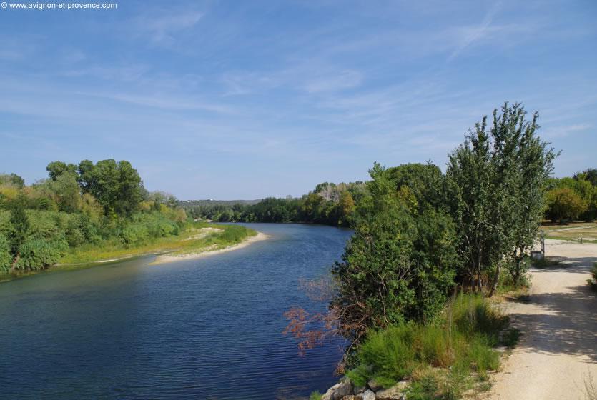 D couvrez remoulins pr s du pont du gard avignon et provence - Office de tourisme du pont du gard ...