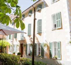 Hotel With Pool In Provence Avignon Et Provence