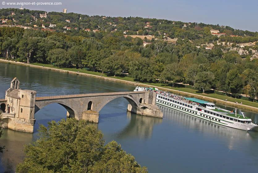 The bridge of Avignon | Avignon et Provence
