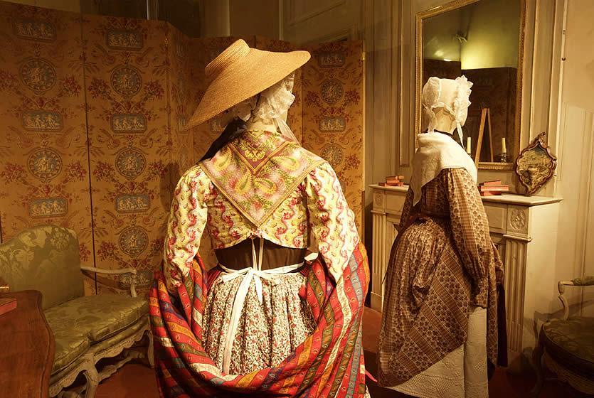 Mus U00e9e Proven U00e7al Du Costume Et Du Bijou  U00e0 Grasse